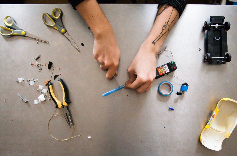 Как можно сделать тату машинку своими руками
